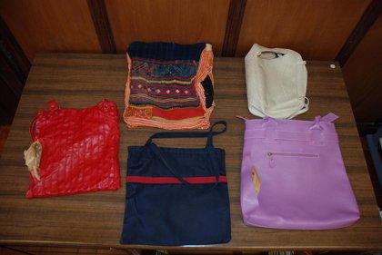 Detenidas dos mujeres por robar el contenido de 13 bolsos por el sistema del 'chinado'
