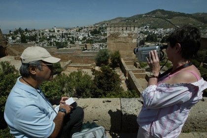 La Alhambra supera el millón de visitantes en el primer semestre, un 2,89% más que en 2009