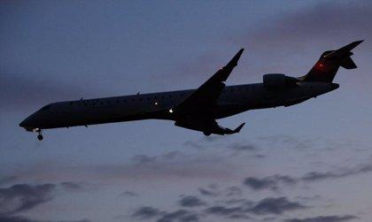 Industria autoriza el uso del móvil durante el vuelo