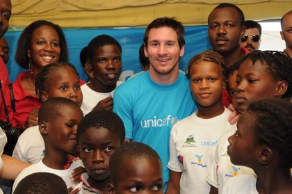 Haití.- Messi viaja a Haití como embajador de Unicef para mostrar su apoyo a los niños seis meses después de la tragedia