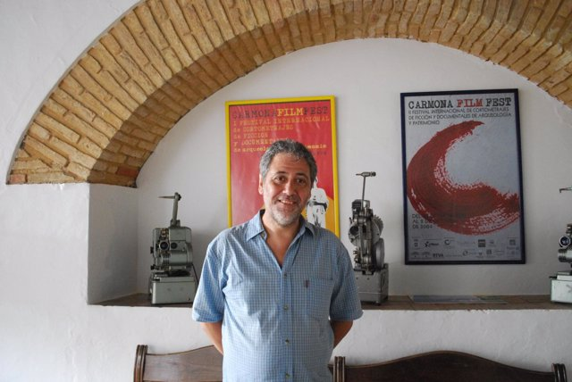 El profesor Claver, antes de participar en los cursos de Carmona