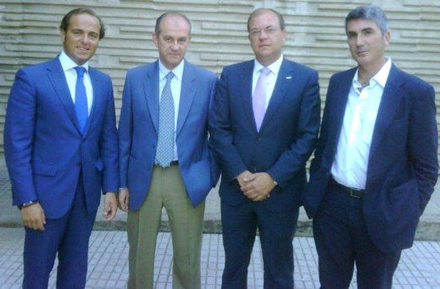 Reunión del PP con el Cluster de la Energía