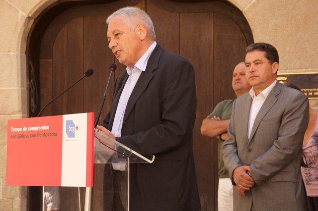 Guillerme Vázquez en el acto de Pontevedra junto a Lores.