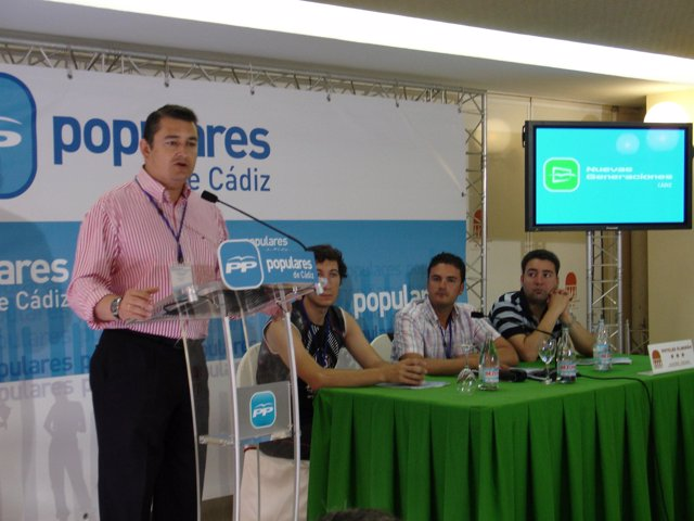 Antonio Sanz en el congreso de NNGG en Chiclana de la Frontera (Cádiz)
