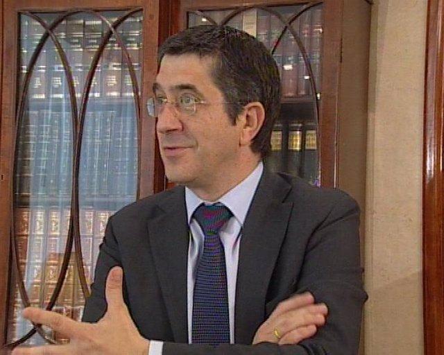 entrevista de Patxi Lopez a Europa Press sobre politicas de empleo, fusion cajas