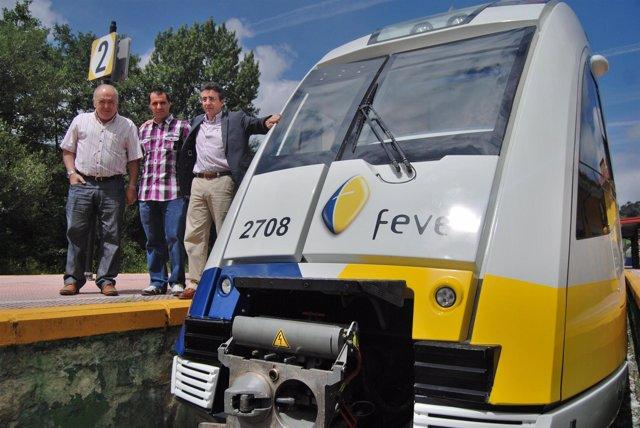 Tren de FEVE en Moreda