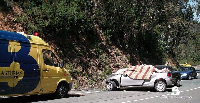 Accidente de tráfico en Tineo, Asturias