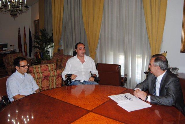 González Tovar se reúne con ASPAYM