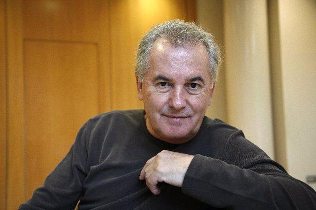 Víctor Manuel.