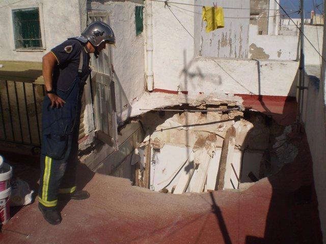 Derrumbe del techo de una vivienda en Cádiz