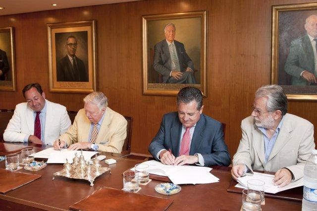 Manuel Jurado y José Luis García firman el convenio