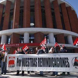 CGT Protesta Contra Renfe