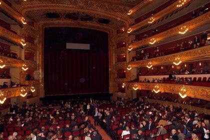 El coro y la orquesta del Liceu protestan este jueves con un concierto en la plaza Sant Jaume