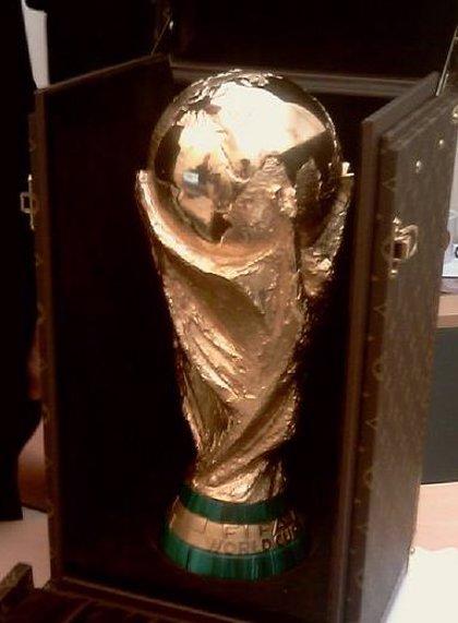 Mundial.- La Copa del Mundo ya está en la Puerta del Sol