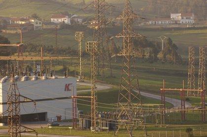 Industria Eléctrica pide la suspensión cautelar de la congelación de tarifas