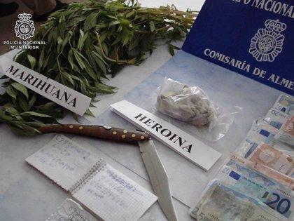 Detenido en Almería un presunto narcotraficante tras embestir a varios agentes en una persecución policial