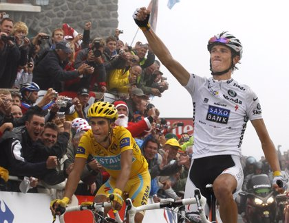 Contador controla a Schleck en el Tourmalet