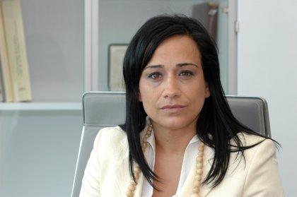 La presidenta de las Juntas de Guipúzcoa asiste al acto en memoria de víctimas del terrorismo en Villanueva de la Serena