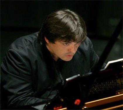 El Teatro Auditorio acoge hoy un concierto a cargo del pianista Juan Carlos Garvayo