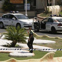 Policía local de Benalmádena tras un aviso de bomba de Eta