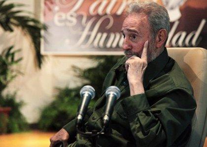 Fidel Castro reaparece otra vez en público