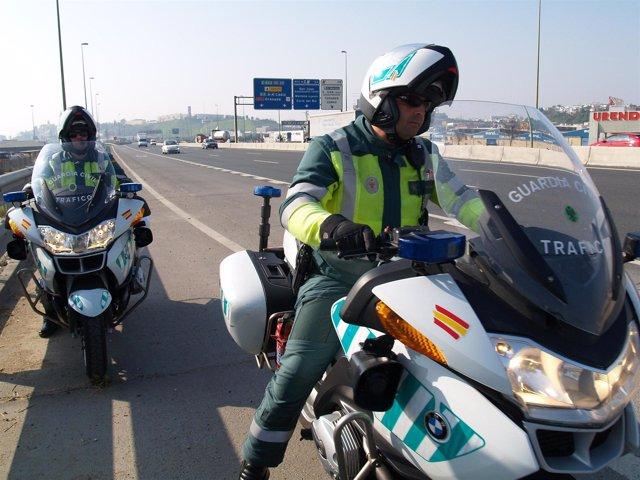 Recomendaciones de tráfico de la Guardia Civil para la operación salida '1º de a