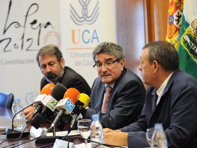 Luis Pizarro, en rueda de prensa