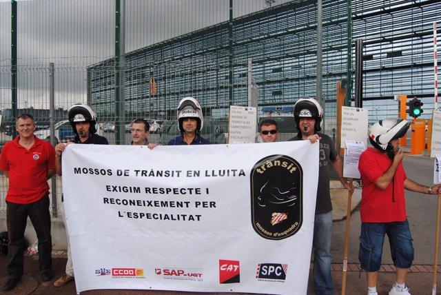 Protesta de los delegados sindicales para reclamar mejoras para los agentes de t