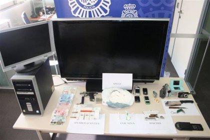 Detenidos tres jóvenes acusados de traficar con drogas a cambio de objetos robados