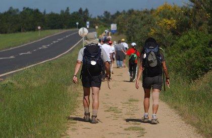 Fisioterapeutas recomiendan poca carga y entrenamiento para los peregrinos del Camino de Santiago
