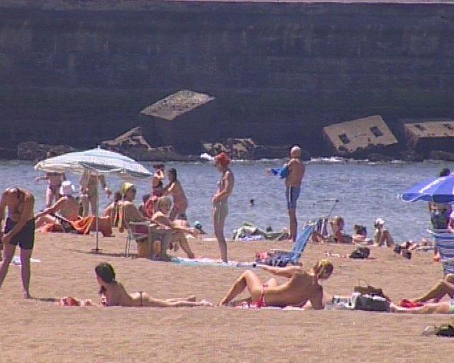 tiempo agradable en las playas vizcainas min oro