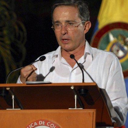 Uribe denuncia por prevaricación al juez que procesará a su hijo