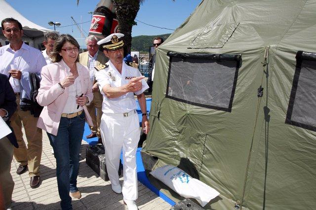 Rosa Quintana en la visita a la Semana náutica de Ferrol