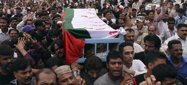 Manifestación por la muerte de un diputado pakistaní