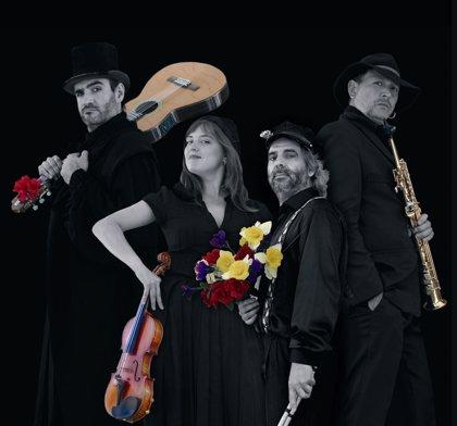 La producción de Teatro Che y Moche, 'Oua umplute', se representará por segunda vez en el anfiteatro de Utrillas