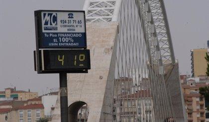La provincia de Badajoz y la de Cáceres están hoy en alerta naranja y amarilla, respectivamente, por altas temperaturas