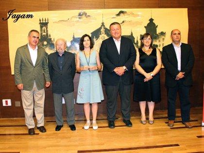 Jose Manuel Caballero Bolad recibe el premio extraordinario de las Srtes Literarias en presencia ministra de Cultura