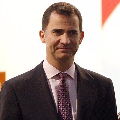 El Príncipe Felipe asistirá a la investidura de Santos
