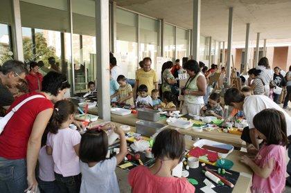 El programa 'Plasticando', con talleres de artes plásticas al aire libre para niños, comienza el lunes en Iturrama