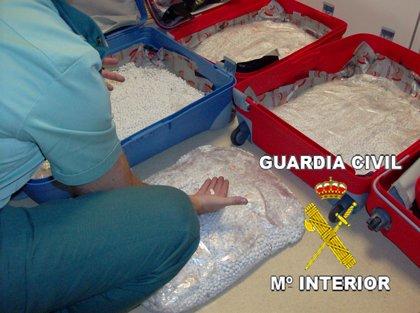 Detenidas en Barajas dos personas con más de 72.000 pastillas de MDMA