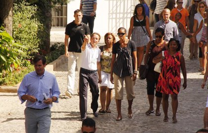 Michelle y Sasha Obama visitan Ronda y sus monumentos más significativos, como la plaza de toros