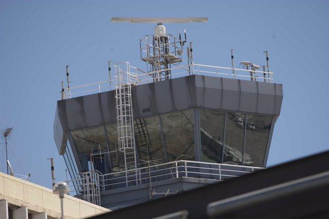 Torre de control en el aeropuerto de Barajas