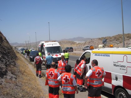 Cinco personas resultan heridas en un accidente de tráfico en Águilas (Murcia)