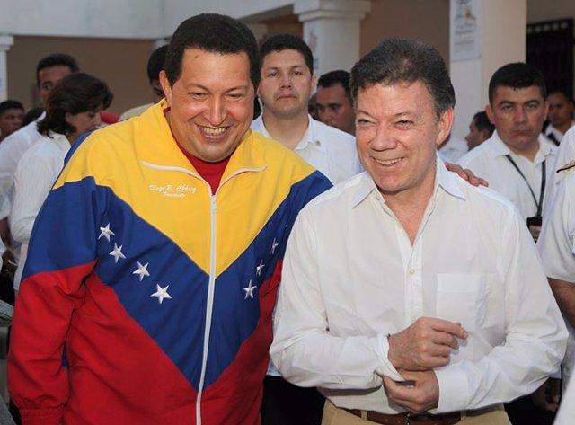 Los presidentes de Venezuela, Hugo Chávez, y de Colombia, Juan Manuel Santos.