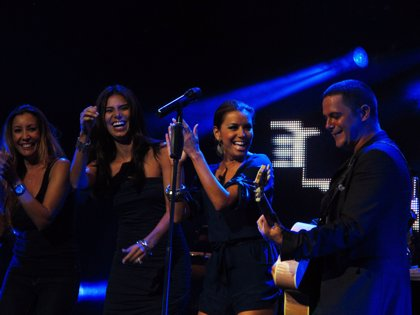 Navieras y hoteles ofrecen descuentos a los que viajen de Fuerteventura a Lanzarote para ir hoy concierto Alejandro Sanz