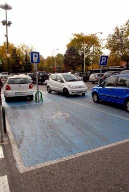 Zona reservada para aparcamiento de minusválidos