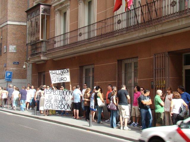 PSOE FOTOS REUNIÓN PSOE CON AFECTADOS POR ENAJENACIÓN DE VIVIENDAS DE LA EMVS