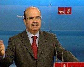 """El PSOE asegura que la visita de Rubalcaba """"ha resuelto el problema"""" con Marruecos y pide responsabilidad al PP"""