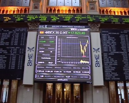 El Ibex 35 abre a la baja (-0,4%) pero continúa en la cota de los 10.000 puntos
