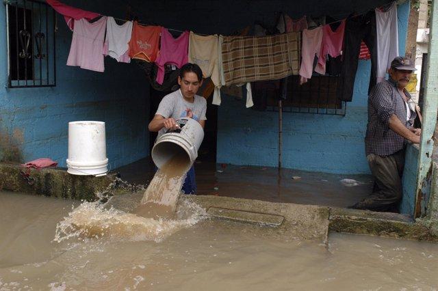 Tormenta tropical de Frank a su paso por Guatemala